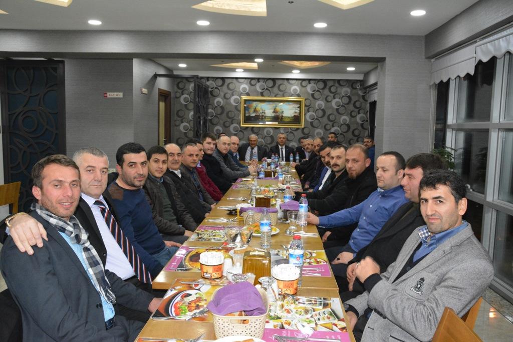 MHP Hendek İlçe Teşkilatı yemekte bir araya geldi