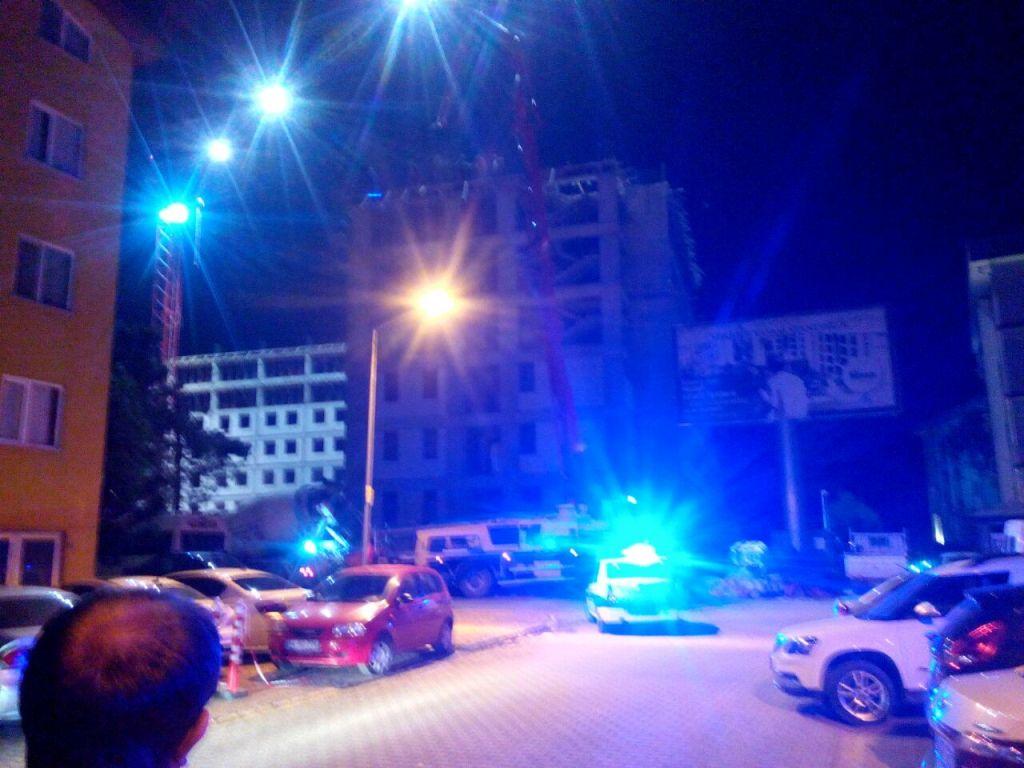 Gecenin ilerleyen saatlerinde yapılan çalışmaya Vatandaşlar tepki gösterdi