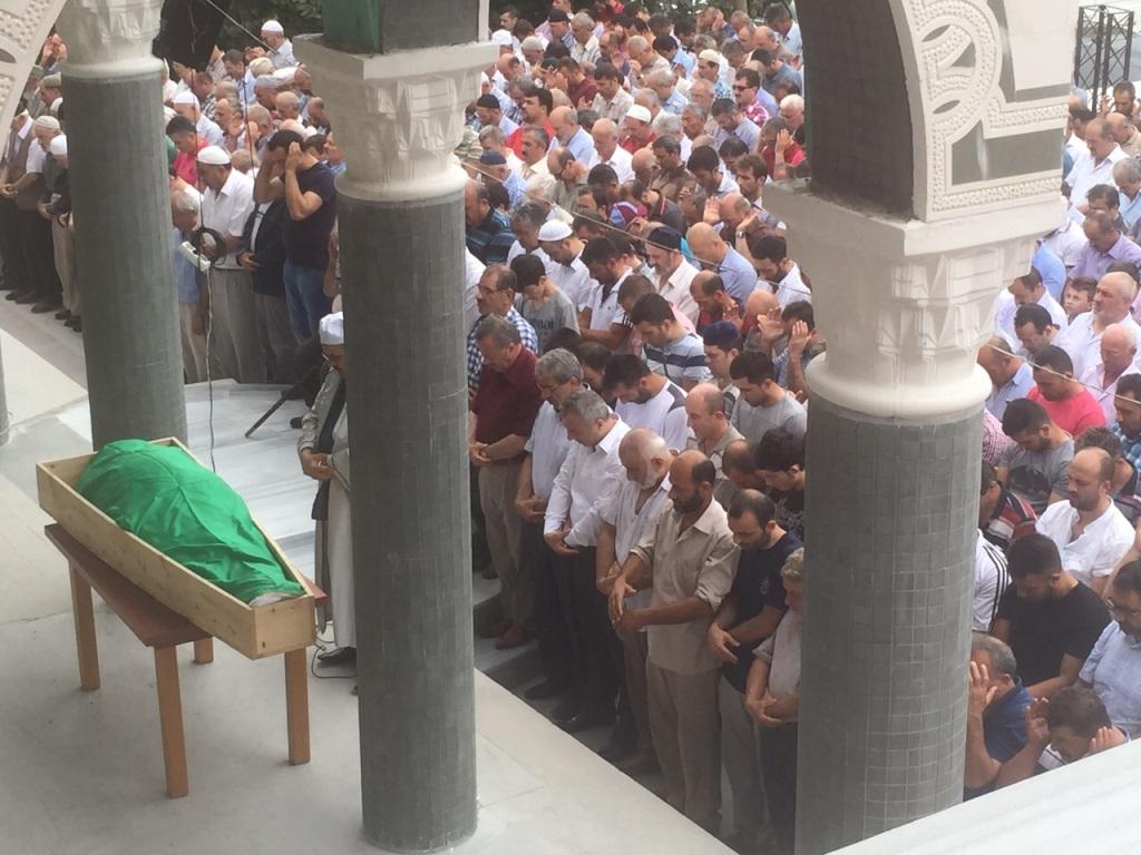 Emekli Müdür Hotaman Dualarla son yolculuğuna uğurlandı