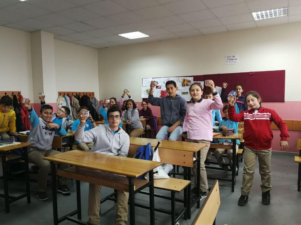 Su Gününde Öğrencilere Su Dağıtıldı