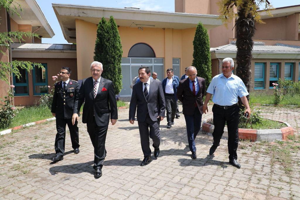Vali Balkanlıoğlu Kadın Cezaevini Ziyaret Etti