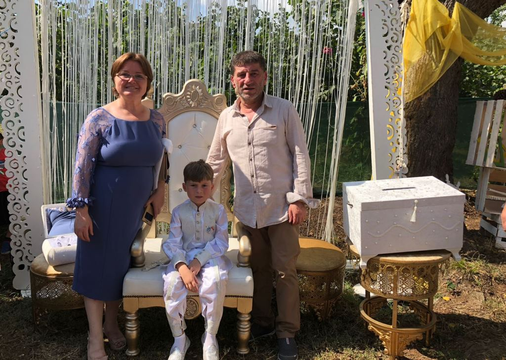 Ahmet Cemal Delikanlılığa Adım Attı