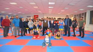 Püsküllü 'den Muay Thai Spor Kulübü'ne ziyaret