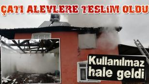 Hendek'te Yangın Çatı Katı Alevlere Teslim Oldu
