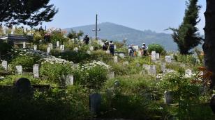 Kurban bayramı öncesi mezarlıklar doldu