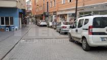 O Sokaklar Trafiğe Kapatılmayı Bekliyor