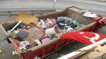 Hendek'te çöp ev boşaltıldı