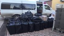 Minibüsten 16 bin Kaçak Sigara Paketi Çıktı