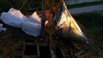 Polis Kiremitleri Kırarak Esrara Ulaştı