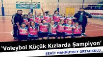 Voleybolda Küçük Kızlarda ŞampiyonMahmutbey