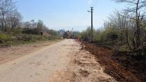 Hendek Belediyesi Yol Bakım Çalışması Yapıyor