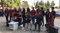 Atike Hanım Anadolu Lisesinden Halk Konseri