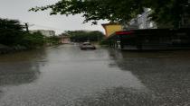 Sağanak Yağış Etkisini Gösterdi