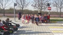 Mustafa Asım Ana sınıfı gezerek öğreniyor