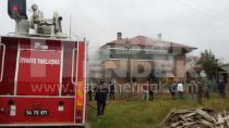 Hendek'te Yangın 3 Kişi Dumandan Etkilendi