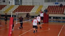Voleybol Turnuvasında Grup Müsabakaları Sona Erdi