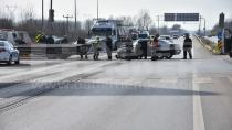 Hendek 2. Osb'de kaza üç yaralı