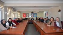 Püsküllü, AK Parti Kadın Kollarını Bilgilendirdi