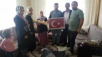 Erdoğan; Şehit Mezarlarına Bayrak Dikilsin