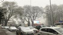 Hendek Merkezde Kar Yağışı Başladı