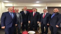 Babaoğlu, Ankara'da Büyük Birlik Partisi rozetini taktı.
