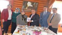 Vali Nayir, Hendek'te Yaşlılarla biraraya geldi