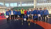 Hendek'li Güreşçiler Rusya'da Madalyaları Topladı