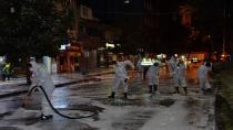 Cadde ve sokaklar köpüklü suyla yıkandı