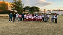Yenimahallespor Futbol Okulu Sahaya İndi