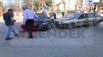 Hendek'te Maddi Hasarlı Kaza