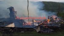 Sahur Vakti Çıkan Yangında Ev Tamamen Yandı